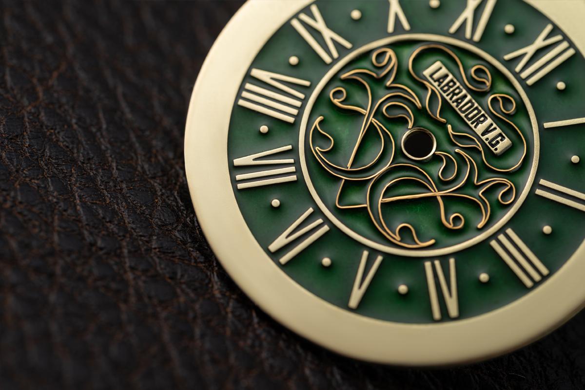 Часы из золота и титана. Наручные часы Labrador